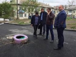 Провал грунта на Ангарской устранят, а работу УК проверят