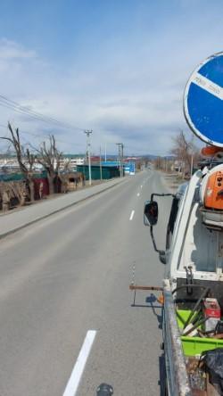 На дорогах Артёма наносят разметку