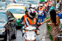 По Бангкоку на такси мотобайке