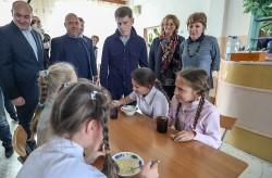Расходы на питание детей в школах увеличат в два раза с 1 декабря 2018 года