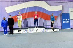 Приморская бадминтонистка завоевала две медали турнира Гран-При
