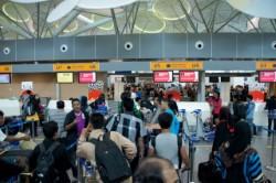 Вьетнам обнародовал расписание рейсов на ноябрь-декабрь для репатриантов